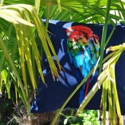 coussin 40 X 40 imprimé red parrot